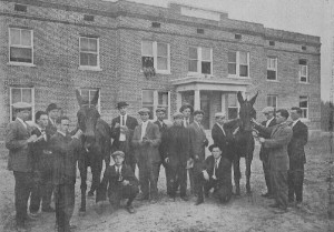 A 1912 Stock Judging Team photo