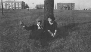 Carl Wallace and Ona Price on a date at the Lone Pine Tree in 1925 photo