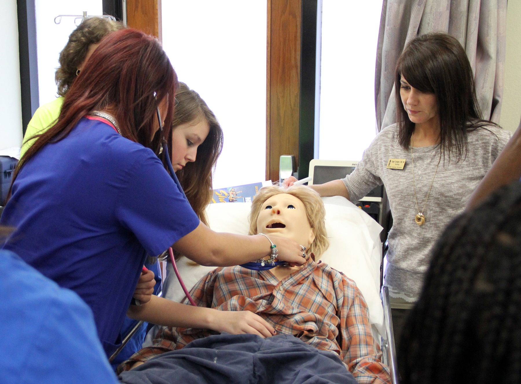 SAU Nursing demos simulation lab for high school students