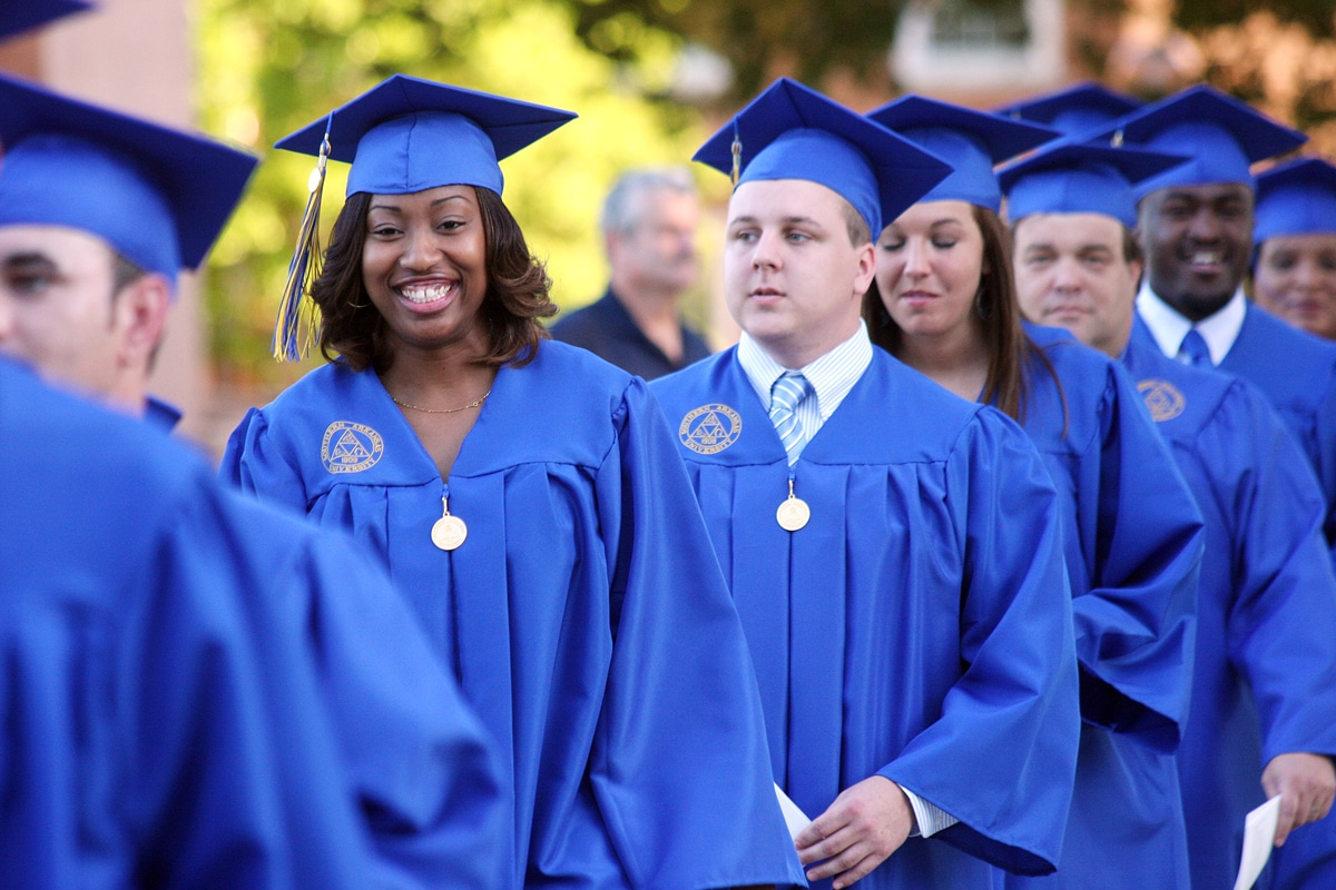 SAU Spring Commencement set for Friday, May 9, 2014